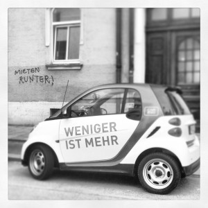 """Weniger ist mehr: Ob bei der Miete von Wohnung und Autos oder beim Essen gehen. Der Schnappschuss entstand an der Deisenhofener Straße - ein echtes Symbolbild für die """"Isarsparer""""!"""