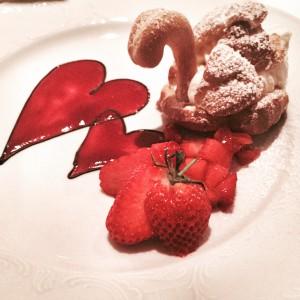 Kein Stern, dafür wird man von den acht Gängen auch satt ;) Hier das Dessert zum Muttertags-Dinner. Ihr seht: Liebe zum Detail auch in der Küche (Foto: Winderl)