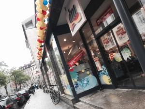 Der dm-drogeriemarkt an der Klenzestraße wurde eröffnet - derzeit gibt es dort 10 Prozent auf den gesamten Einkauf. (Foto: Winderl)