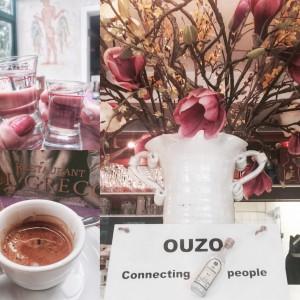 Ouzo connecting people - vor und nach dem Essen gibt es einen gratis. Oder man alternativ auch einen Kaffee als flüssige Nachspeise wählen. (Foto: Winderl)