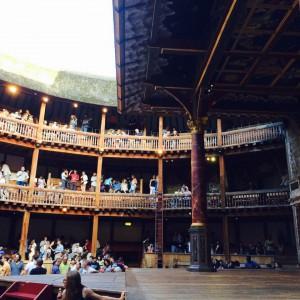 """Historische Theaterkulisse im """"Shakespeare's Globe Theatre"""" (Foto: Pfannkuch)"""
