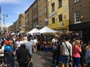 Vom Fahrrad bis zu Schallplatten - der Brick Lane Market bietet für jeden etwas (Foto: Pfannkuch)