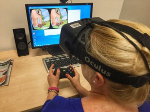 ISARSPARERIN Teresa beim Test der Oculus Rift.