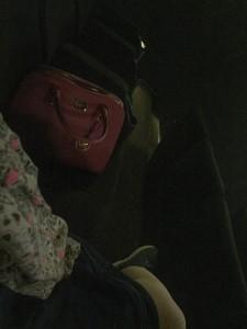 Als Handtaschenableger klasse - ansonsten eher peinlich: Die Pärchensessel im Kino (Foto: Winderl)