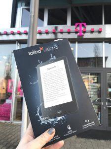 Den wasserfesten Tolino Vision 2 mit Hintergrundbeleuchtung habe ich im Angebot bei der Telekom gekauft. Sie designt die eBook-Reader. (Foto: Winderl)