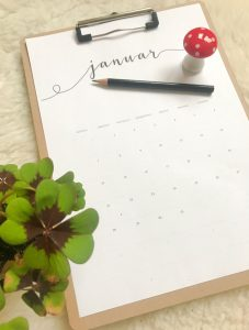 free printabels kalender 2019 gratis runterladen statt kaufen. Black Bedroom Furniture Sets. Home Design Ideas